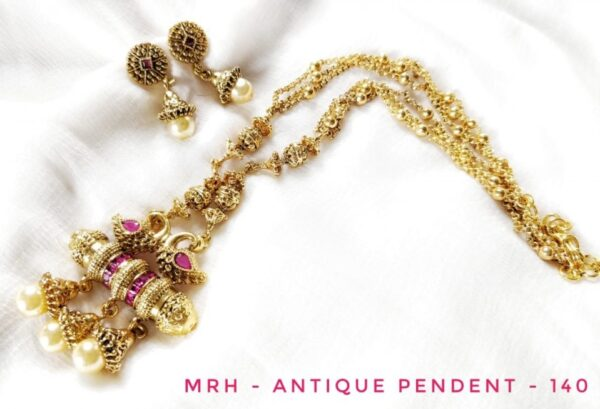 Antique Pearl Studded Pendant set with Earrings