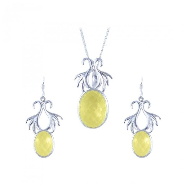 Crown Shaped Chalcedony studded Silver Pendant set