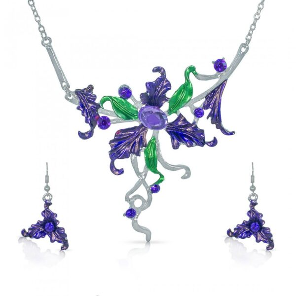 Flower with Leaves Designer Necklace with Earrings