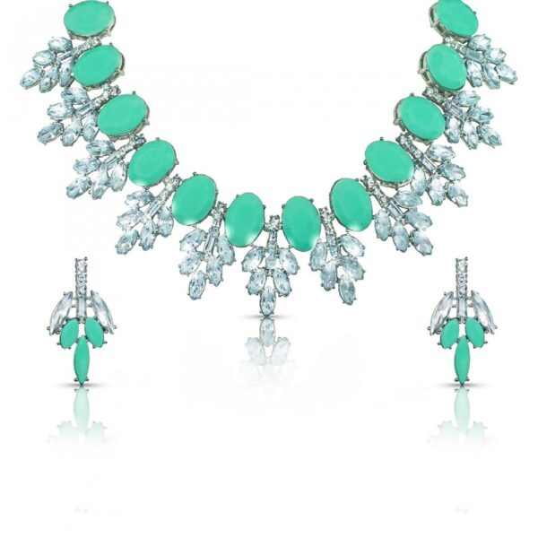 Semi Precious Stones studded necklace with earrings