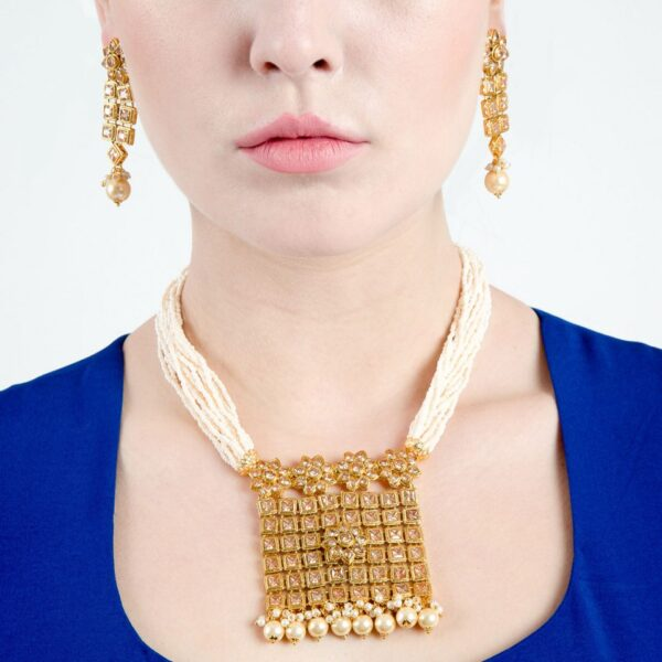 AD studded square pendant pearl necklace