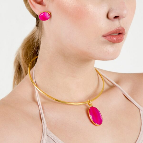 Brass Chain Band choker with Pink Calci studded Pendant & Earrings